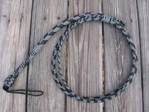 Snake or chevron pattern